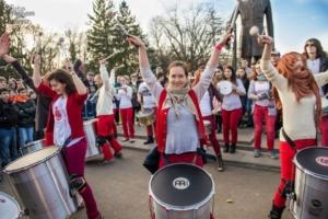 """Barbarossa Samba Group, prima trupa de percutie de samba traditionala braziliana din Romania, va umple de energie peste 20 de orase din Macedonia, in cadrul festivalului stradal """"Buskerfest 2014""""!"""